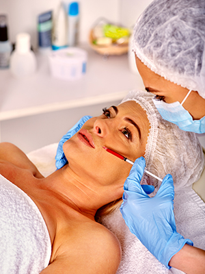 94598 Dermatologist - Woman Getting Injections.